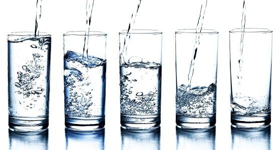 air minum yang baik tidak berwarna